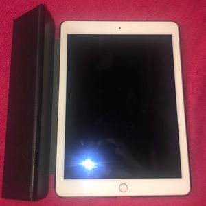 iPad Air 2 with Case